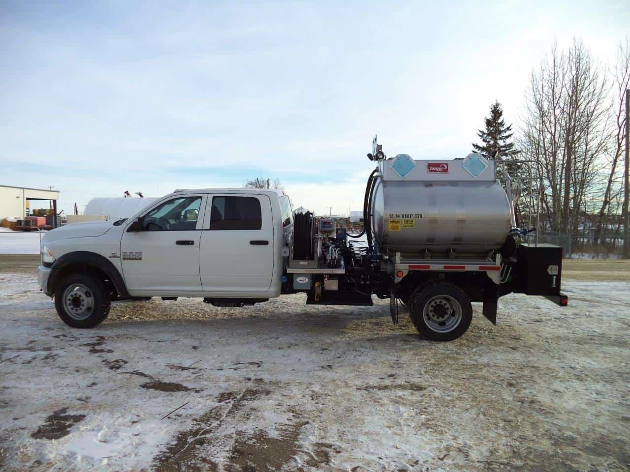 SS304 Oval TC406 Pressure Truck